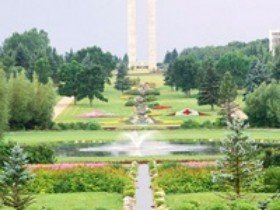 International Peace Garden is an Impressive Floral Park in North Dakota